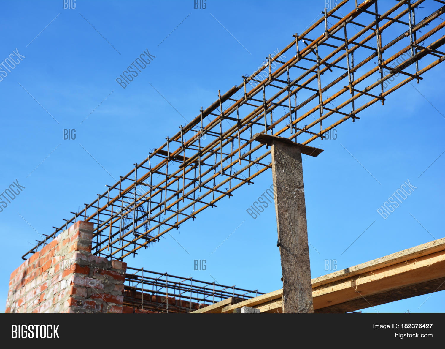 what is a lintel in construction
