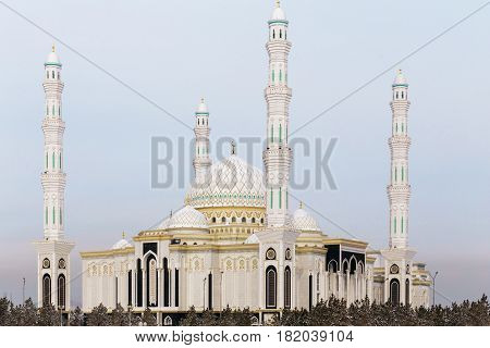 New mosque in the capital of Kazakhstan. The Mosque Hazrat Sultan in Astana.