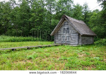 Forest hut free to use for hikers