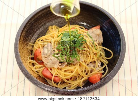 Ramen Noodle With Pork, Beef And Salmon