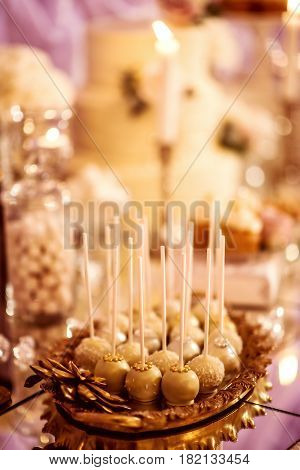 beautiful purple and golden wedding candy bar