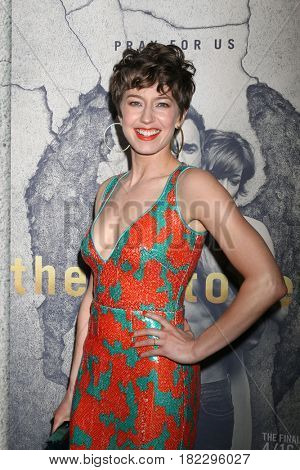 LOS ANGELES - APR 4:  Carrie Coon at the Premiere Of HBO's