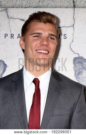 LOS ANGELES - APR 4:  Chris Zylka at the Premiere Of HBO's