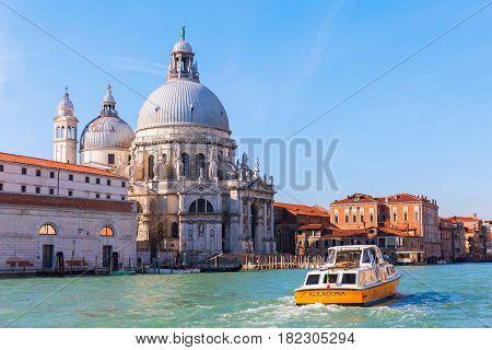 Basilica Die Santa Maria Della Salute In Venice, Italy