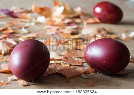 Eggs, Painted With Onion Husks. Easter Eggs And Onion Husks.