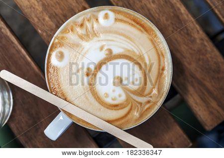 Late Art made in coffee shop, beautifull happy bear