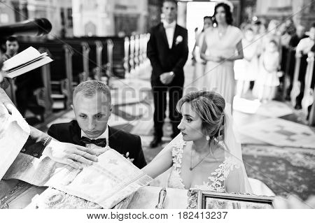 Wedding Oath Or Marriage Vows Are Promises Each Partner In A Couple Makes To The Other During A Wedd