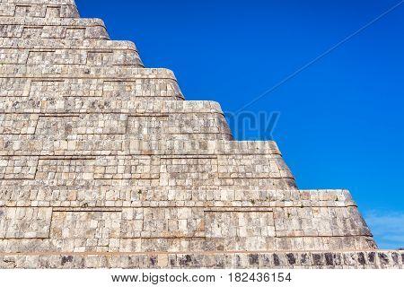 Chichen Itza Pyramid Details