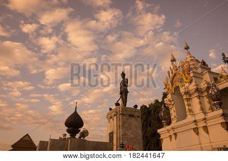 Thailand Phayao Ngam Munag Statue
