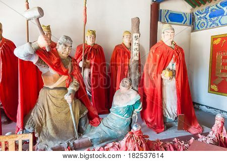 Hebei, China - Oct 13 2015: Statues At Sanyi Temple. A Famous Historic Site In Zhuozhou, Hebei, Chin