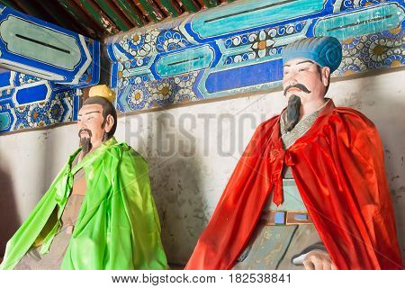 Hebei, China - Oct 13 2015: Statues Of Pang Tong And Zhuge Liang At Sanyi Temple. A Famous Historic