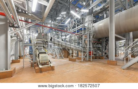 The conveyor system and the drum mold at the plant for the production of ammonium nitrate