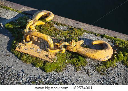 Ships Mooring Equipment, Yellow Hooks For Ropes