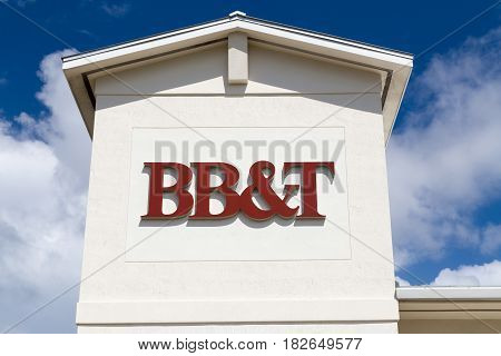 Bb&t Bank Exterior And Logo