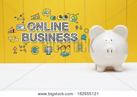 Online Business Text With Piggy Bank