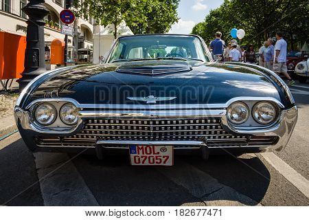 BERLIN - JUNE 05 2016: Personal luxury car Ford Thunderbird (third generation). Lowrider. Front view. Classic Days Berlin 2016.