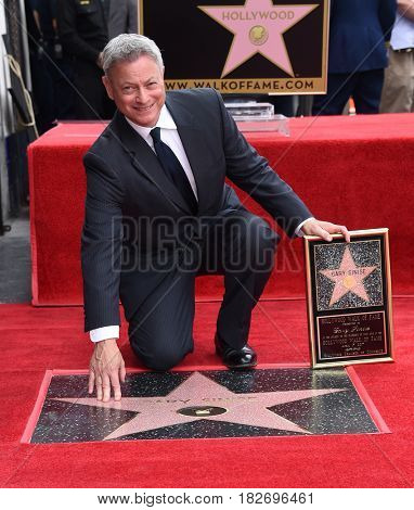 LOS ANGELES - APR 17:  Gary Sinise Walk of Fame Honors Gary Sinise on April 17, 2017 in Hollywood, CA