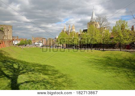 ROCHESTER, UK: View of the Cathedral from the Castle with Spring colors