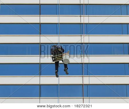 Cliffhanger Window Washers