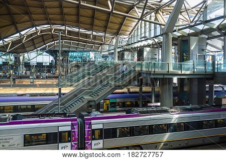 Melbourne, Australia - April 1, 2017: Escalators And Stairs Leading Down To Platforms At Southern Cr