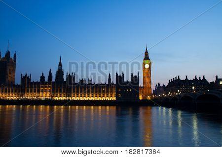 English Parliament Thames river reflection Big Ben