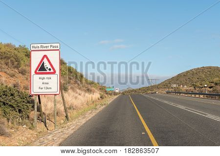 The start of the Huisrivier Pass between Calitzdorp and Ladismith in the Western Cape Province