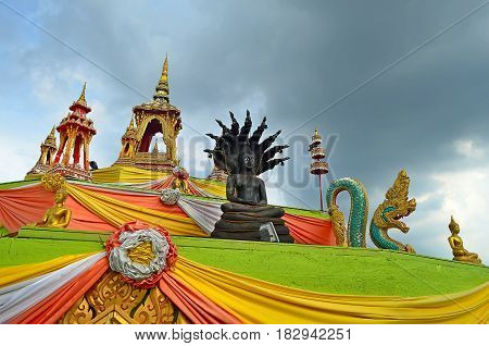 Symbolism and worship in Hinduism and the Buddhist temple in Southeast Asia amazes with its beauty and grandeur. Many people go to worship Shiva and Buddha, and tourists go to see beautiful views, beautiful buildings