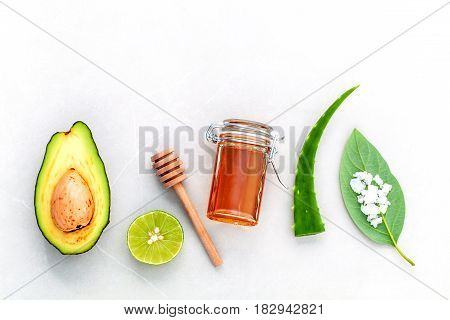 Homemade Skin Care And Body Scrub With Natural Ingredients Fresh  Avocado , Leaves ,sea Salt , Lime