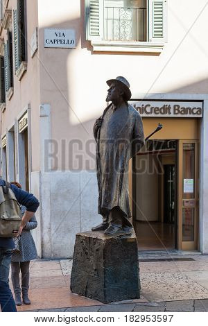 Bronze Sculpture Of Berto Barbarani In Verona
