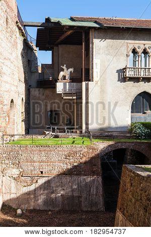 View Of Inner Court Of Castelvecchio Castel