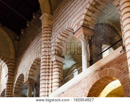 Indoor Of Chiesa Di San Lorenzo In Verona City