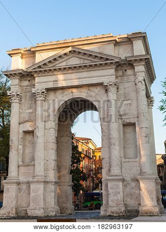 Arco Dei Gavi In Verona City In Spring Evening