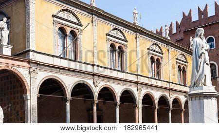 Dante Statue On Piazza Dei Signori In Verona City