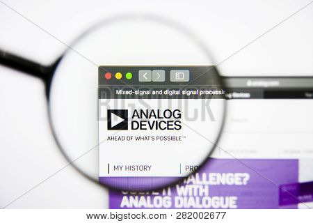 Los Angeles, California, Usa - 25 January 2019: Analog Devices Semiconductors Website Homepage. Anal