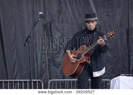 Clark, nj 12. September: Gitarrist Nils Lofgren führt auf dem union county Musik Fest auf 2.950