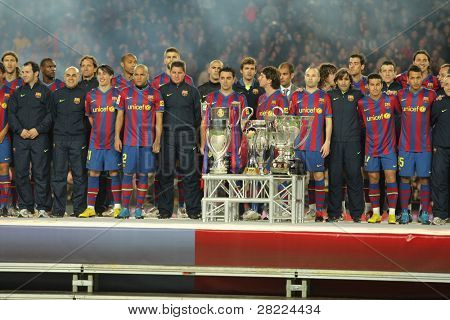 BARCELONA - JAN 2: FC Barcelona players at the party with the 6 trophies of the year at the Nou Camp Stadium on January 2, 2010 in Barcelona, Spain.