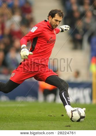 BARCELONA - MARCH 7: Diego Lopez goalkeeper of Villareal during a Spanish League match between Espanyol and Villareal at the Estadi Cornella on March 7, 2010 in Barcelona, Spain