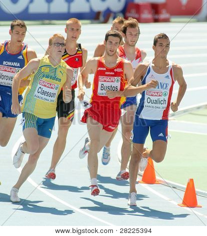 BARCELONA, SPAIN - JULY 28: Competitors of 800m Men Round 1 of the 20th European Athletics Championships at the Olympic Stadium on July 28, 2010 in Barcelona, Spain