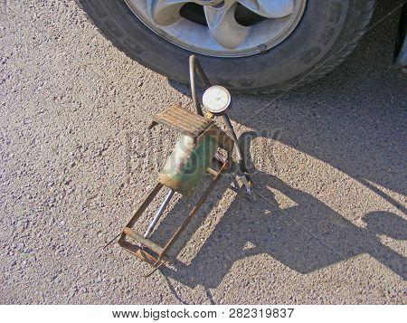 Pressure Gauge For Car Tyre Pressure Measurement