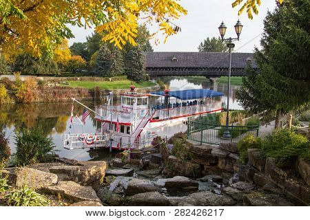 Frankenmuth, Michigan, Usa - October 9, 2018: The Bavarian Belle Riverboat Offers Sightseeing And Di