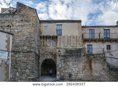 Sepulveda, Segovia, Spain; March 2018:  The Gate Of The Wall And Strength In The Old Town In The Vil