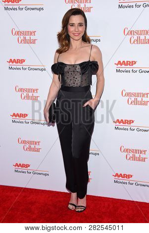 LOS ANGELES - FEB 04:  Linda Cardellini arrives for AARP's Movies For Grownups Awards 2019 on February 4, 2019 in Beverly Hills, CA