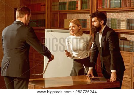 Internet Concept. Business People Use Internet To Exchange Web Documents With Global Network Of Comp