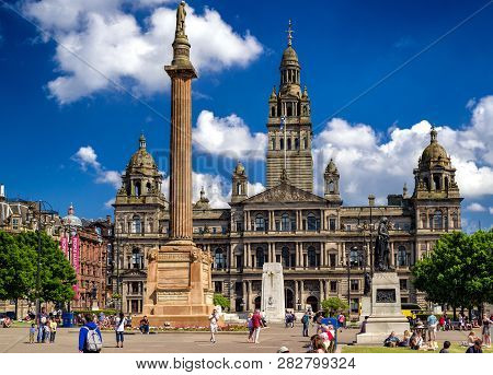 Glasgow, Scotland - May 28:  Glasgow Square And Building City Chambers On May 28, 2018 In Glasgow