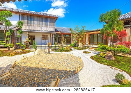 Kamakura, Japan - April 23, 2017: A Traditional Zen Garden In A Sunny Day Inside Hase-dera Or Hase-k