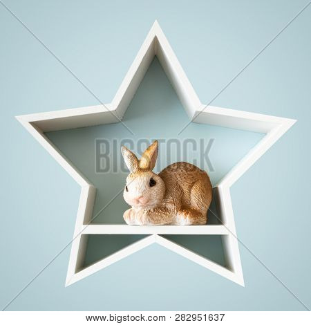 An image of an Easter bunny in a white star