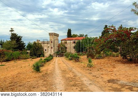 Old Castle In The Mountains,sommer,  Croatia, Europe
