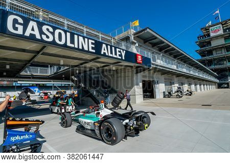 August 21, 2020 - Indianapolis, Indiana, USA: DALTON KELLETT (R) (41) of Stouffville Canada  prepares to practice for the Indianapolis 500 at the Indianapolis Motor Speedway in Indianapolis, Indiana.