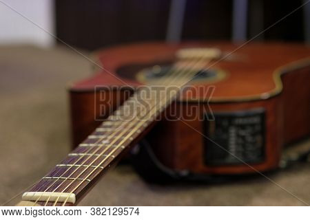 The Guitar Is On The Stage Of The Concert Hall, The Musician Went On Hiatus