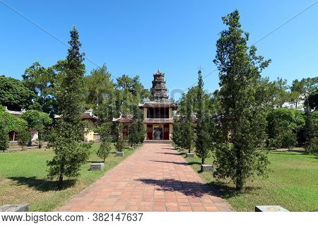 Hue, Vietnam, July 15, 2020: Inner Garden Of Chùa Thiên Mụ Pagoda Temple, Hue, Vietnam